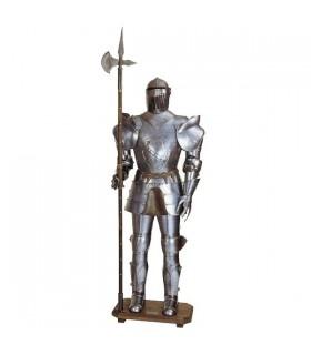 Armadura medieval con lanza