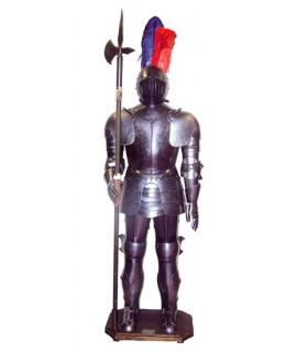 Armadura medieval con alabarda