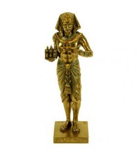 Figura faraón egipcio con tríada