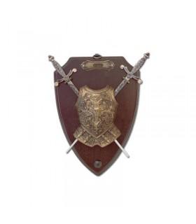 Panoplia con espadas y coraza