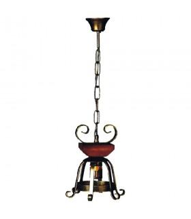 Lámpara forja medieval con madera
