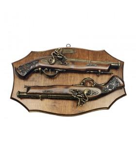 Panoplia de madera con pistolas