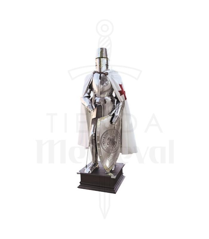 Armadura de los caballeros templarios con cruz en el pecho