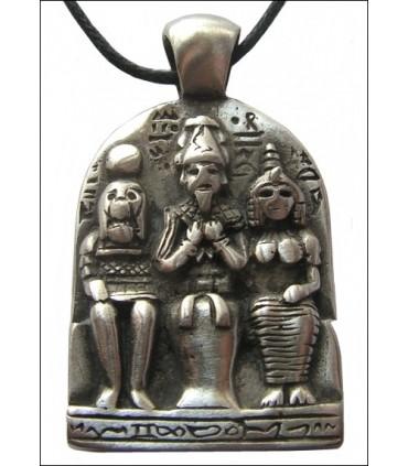 Colgante tríada egipcia