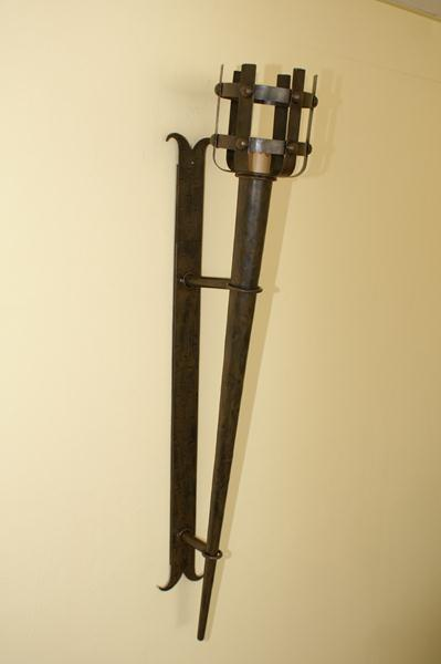 Forge médiévale 1 Forge médiévale: Appliques murales, lampes, torches ...